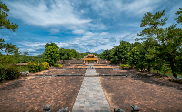 Minh Mang tomb- Culture Pham Travel