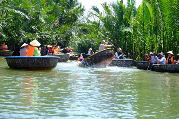 Essential Vietnam Tour- Basket Boat Ride