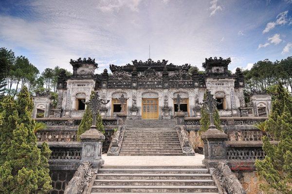 Khai Dinh tomb- Culture Pham Travel