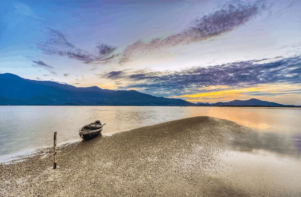 Lap An lagoon- Culture Pham Travel
