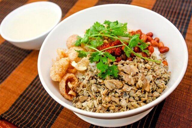 Hue street food at Dong Ba- Culture Pham Travel