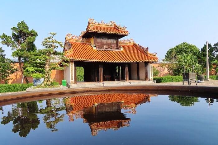 Hue Imperial city - Tu Duc tomb - Hue tours