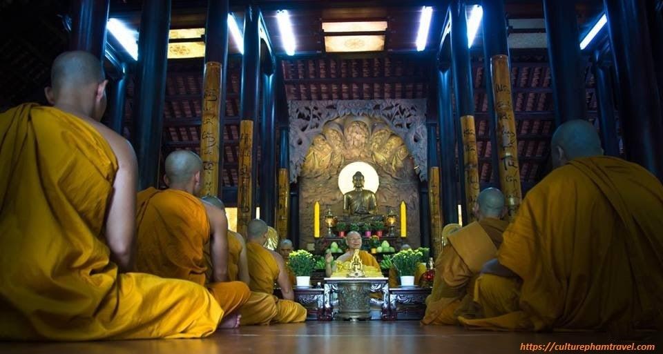 Huyen-Khong-Song-Thuong-pagoda-Hue-Culture-Pham-Travel
