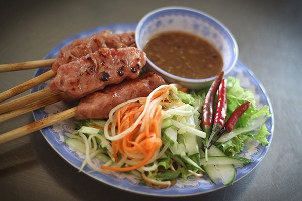 Nem-Lui-what-to-eat-in-Hue-Culture-Pham-Travel