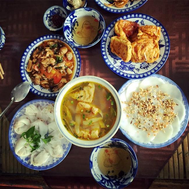 Vegetarian-meal-Hue-street-food