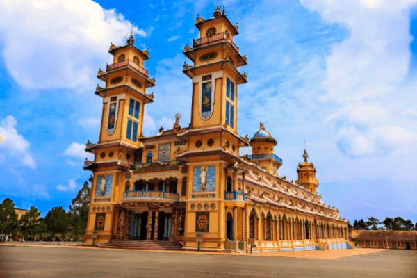 Caodaism temple- Culture Pham Travel
