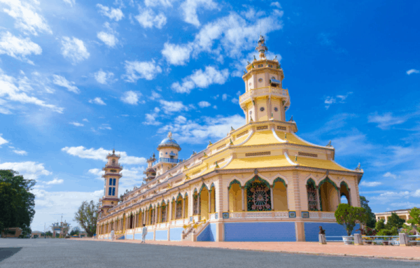 Cao Dai Temple and Cu Chi tunnels tour- Culture Pham Travel