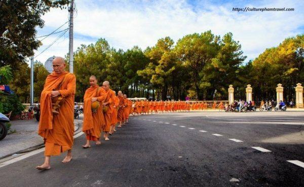 Hue pagoda-buddhist tour- Culture Pham Travel