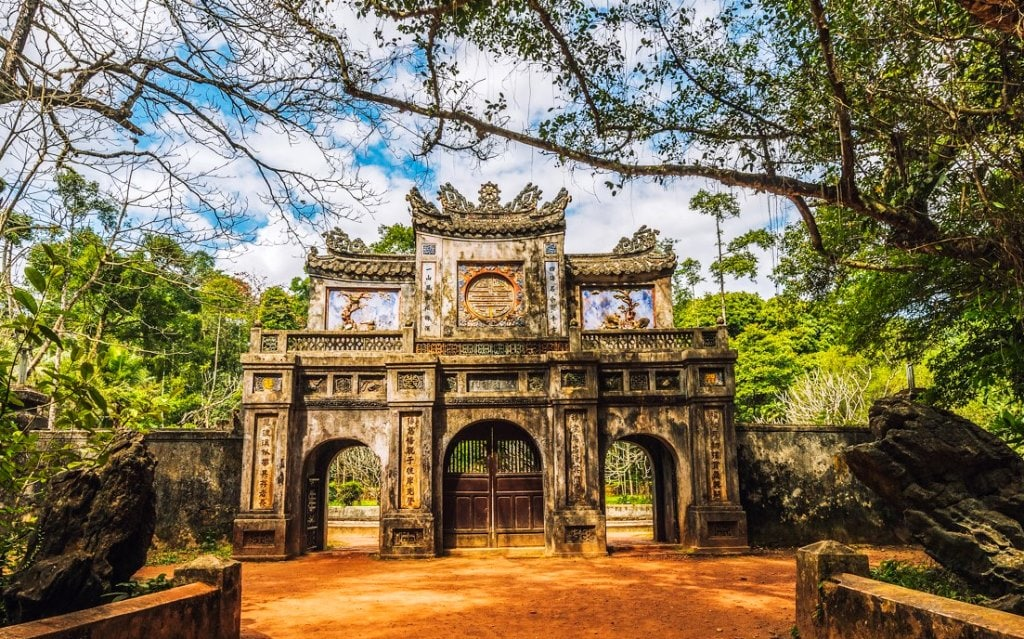 Tu Hieu Pagoda Hue- Culture Pham Travel