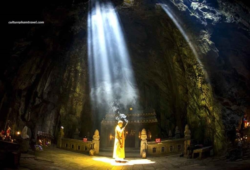 Huyen Khong Cave- Marble mountains- Culture Pham Travel