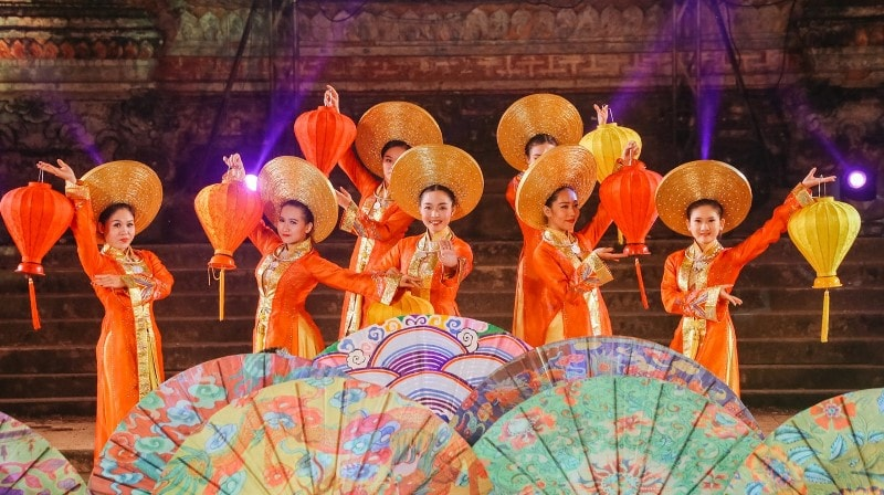 Hue culture and art- Culture Pham Travel