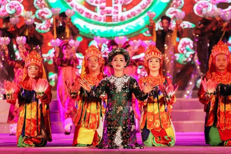 Hue traditonal culture, custom and art- Culture Pham Travel