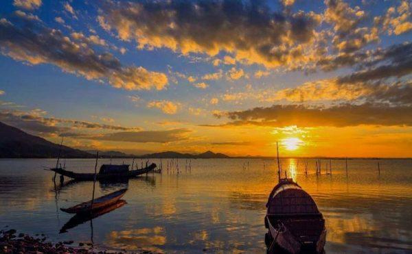 Sunset on Tam Giang Lagoon- Culture Pham Travel