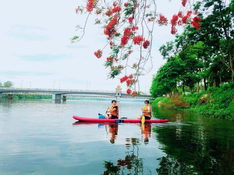 Surfing SUP on the Pefume River- Culture Pham Travel