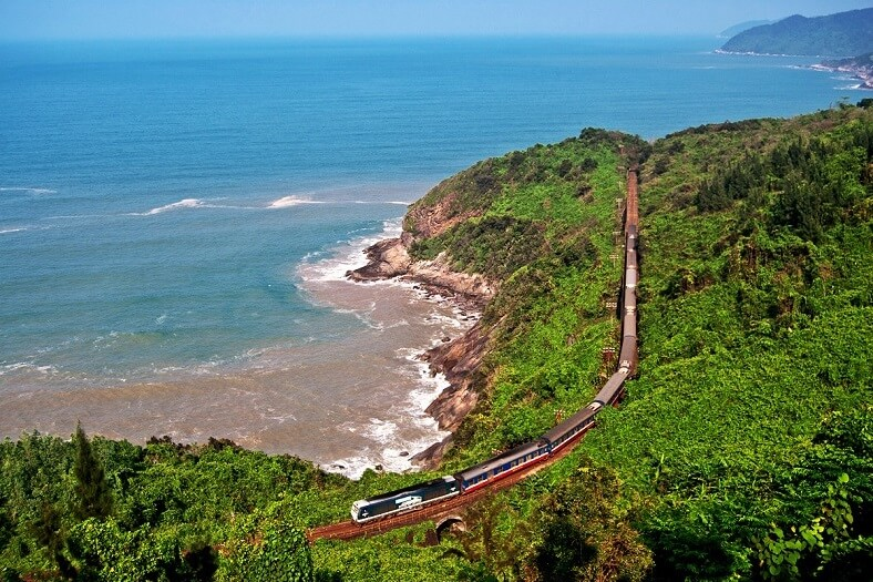 Travel from Hoi An to Hue