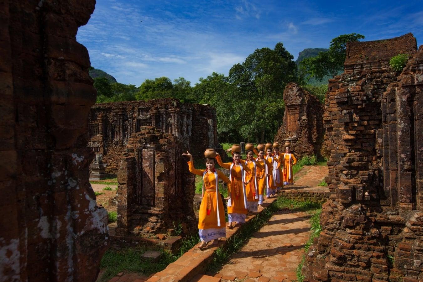 Culture Pham Travel