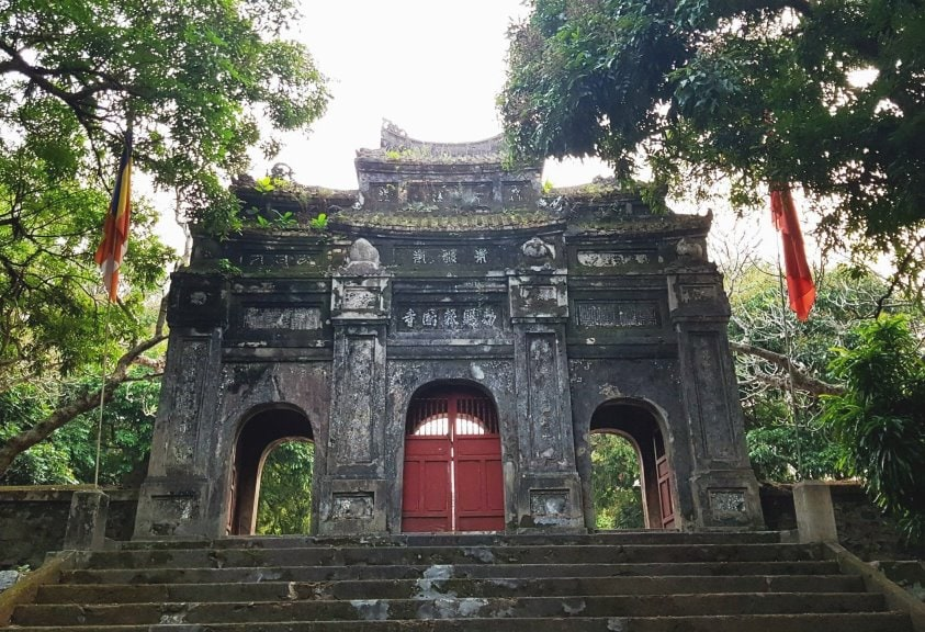 Bao Quoc Pagoda- Culture Pham Travel