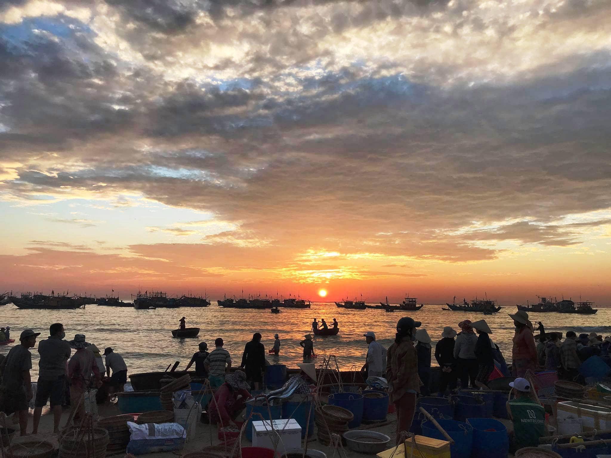 Hoi An Sunrise Fish Market Tour
