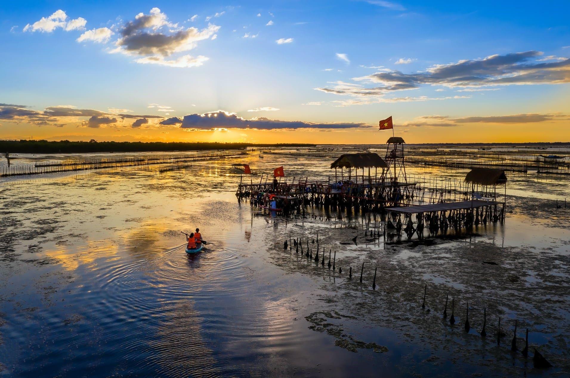 Hue Photo Tour- Culture Pham Travel